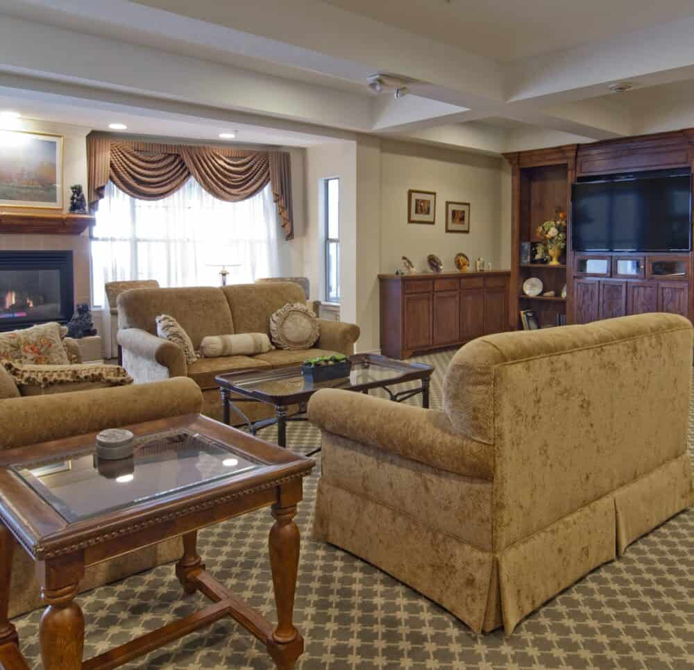 the remington at valley ranch, located in Irving, Texas, has a large lounge with couches