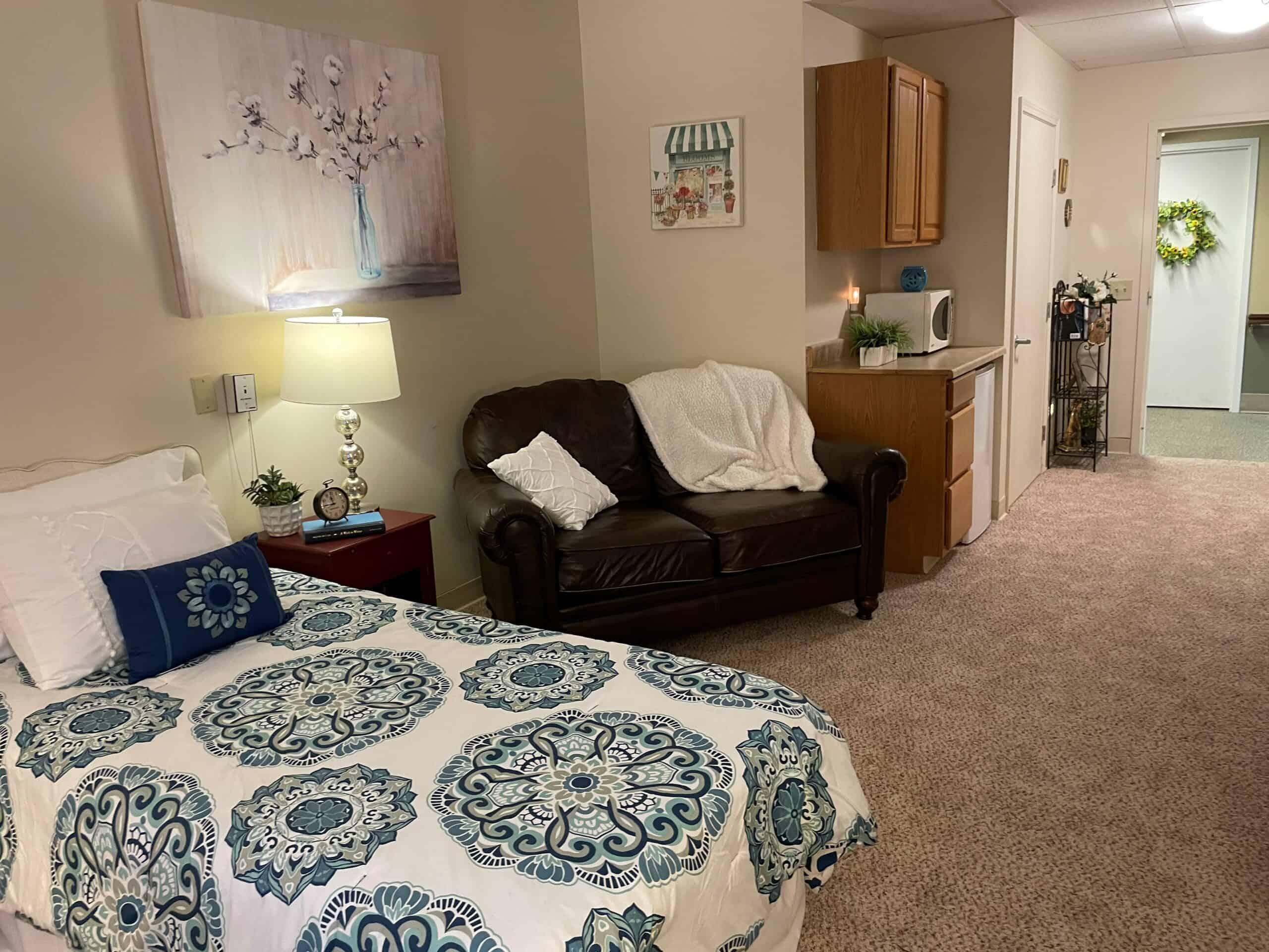 studio apartment for seniors at the woodlands of columbus in ohio