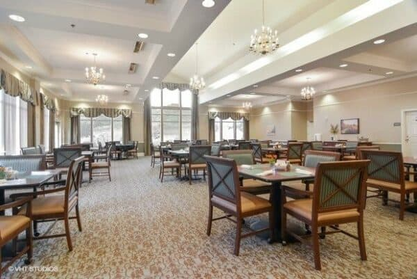Large dining room with ample seating and natural light at the Waterford at Mansfield, a senior living community in Mansfield, Ohio.