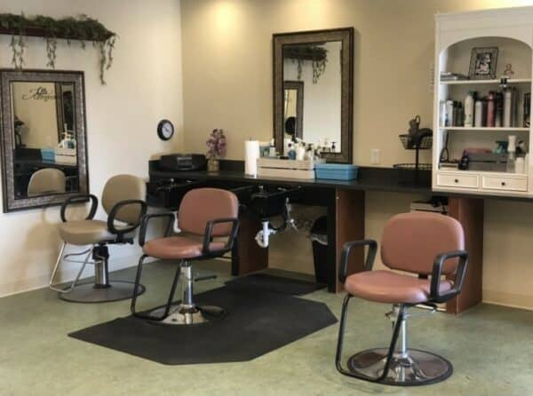 on-site beauty salon at the wellington at dayton, a senior living community in dayton, ohio